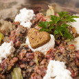 Getreidefreies Hundefutter für eine ursprüngliche und artgerechte Ernährung Immer mehr Menschen entwickeln im Laufe ihres Lebens Glutenunverträglichkeiten, andere Lebensmittelallergien und Erkrankungen, die Ernährungswissenschaftler unter anderem auf den übermäßigen Verzehr von […]